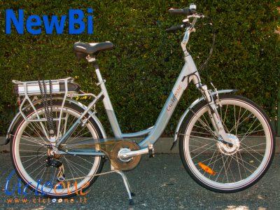 City ebike NewBi telaio silver azzurro
