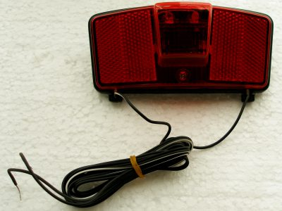 Fanale posteriore con luce stop a due fili