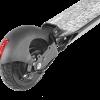 monopattino dettaglio ruota posteriore con luce