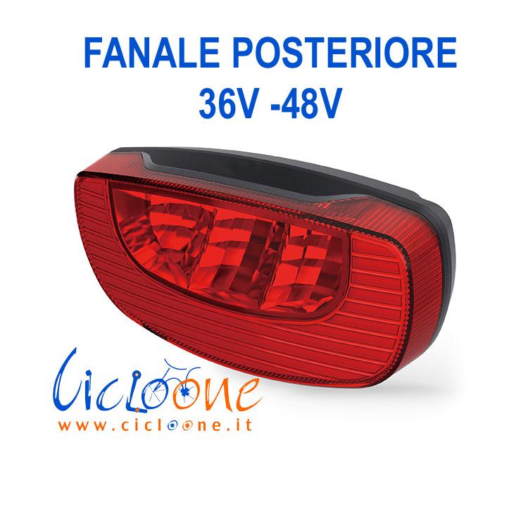 luce posteriore rossa brillante con funzione stop